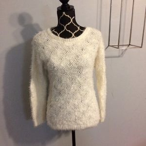 Jaclyn Smith Fuzzy White Sweater Size Small